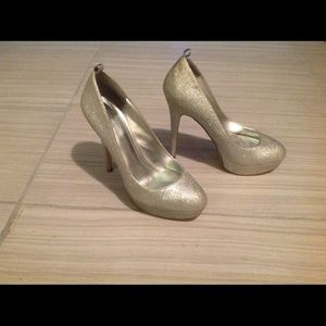 Aldo sparkly pumps